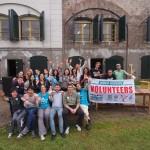 Enthousiaste UNESCO World Heritage Volunteers uit de hele wereld aan de slag op Fort Nieuwersluis