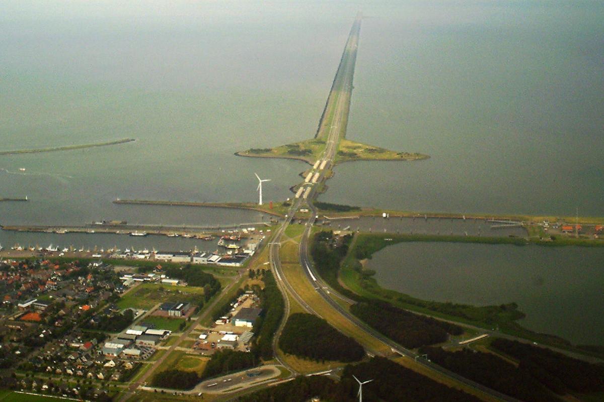 schultz reserveert 800 miljoen voor renovatie afsluitdijk