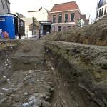 Even rondkijken in opgravingsput Oldenzaal