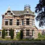 Verplaatsen Steenbergense Villa Bakx van de baan