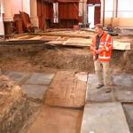 Bijzondere grafzerken gevonden in kerk Farmsum