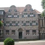 Woningbouwcorporatie krijgt vijf ton voor restauratie stadsweeshuis