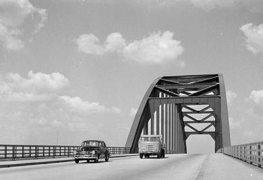 boogbrug Vianen (ook wel Lekbrug)