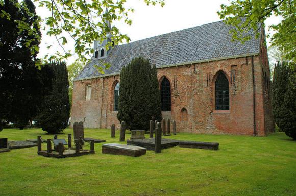 Westeremden kerk door Andrys Stienstra via Wikimedia Commons