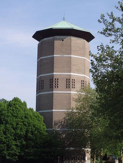 Watertoren Zwolle via Wikimedia commons