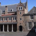 Lang besproken restauratie het Hof in Dordt van start