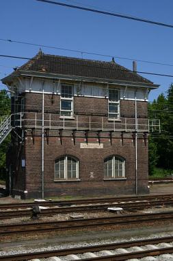 Het rijksmonumentale seinhuis in Roosendaal. Foto: Goodness Shamrock via wikimedia