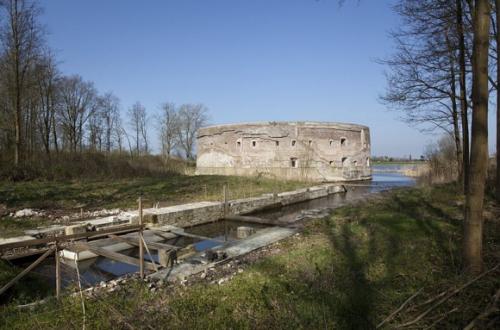 Fort Uitermeer in natuurlandschap. Foto: RCE