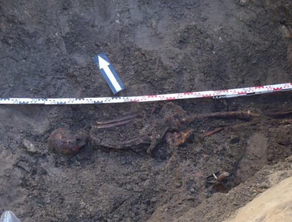 Opgraving van skelet in Haarlem.