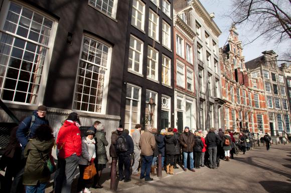 Bezoekers Open Monumentendag Amsterdam bij Huis Bartolotti