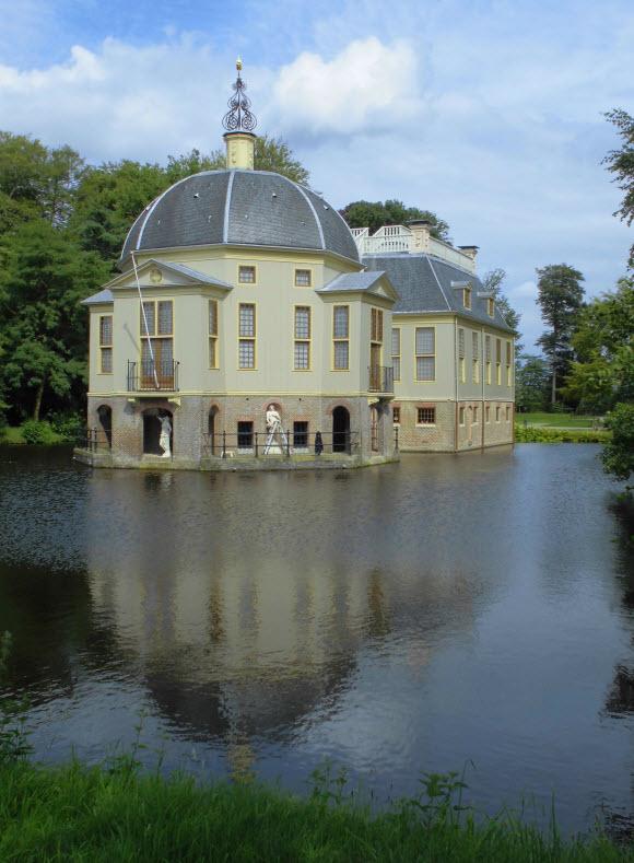 In 's-Graveland kan Trompenburgh bezocht worden. Foto: HenkvD