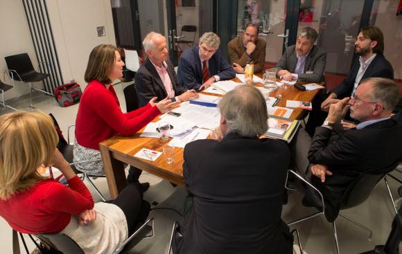 Ideeën uitwisselen en het erfgoednetwerk in Leiden versterken. Fotograaf Hielco Kuipers