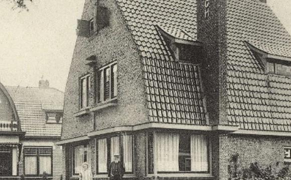 ansichtkaart afkomstig uit de Groninger Archieven. Villa 'Rotsburgh' omstreeks 1930.