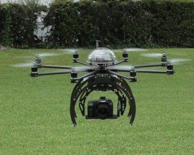 Een Drone, gemaakt door Flying Eye. bron: Flying Eye via Creative Commons