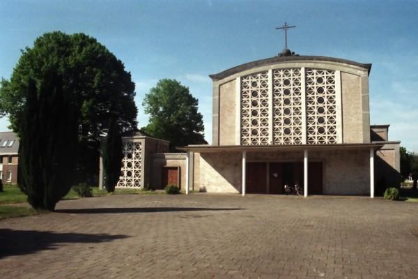 Stephanuskerk Moerdijk. Foto: Henco de Bruijn via reliwiki
