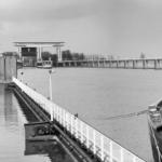 Rijkswaterstaat voltooit renovatie deuren Beatrixsluis