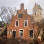 Oudste huis van Ameland 1625 weerstaat storm nét