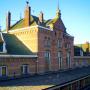 Monumentaal stationsgebouw Geldermalsen in de steigers
