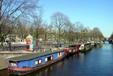 Woonboten Amstelveld. Foto: www.amsterdamsebinnenstad.nl