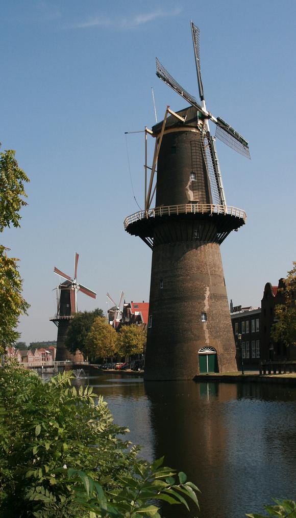 Molen De Vrijheid, Schiedam. Foto: Quistnix