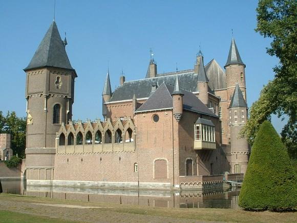 Kasteel_Heeswijk Foto Ekki01 via Wikimedia