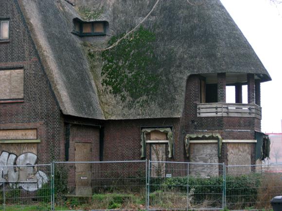 De vervallen villa Nieuw Hofvliet Zwolle Foto: Jan Brink