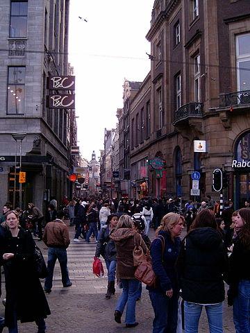 De Kalverstraat foto: Liijccoo via Wikimedia