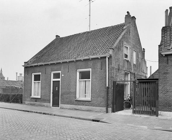 Van Hogendorpstraat 96 Tilburg. Foto: RCE 1972