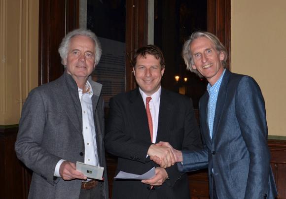 Theo van Wijk (DOM under), Pieter Leyssius (Rabobank Utrecht) en Paul Baltus (DOM under)
