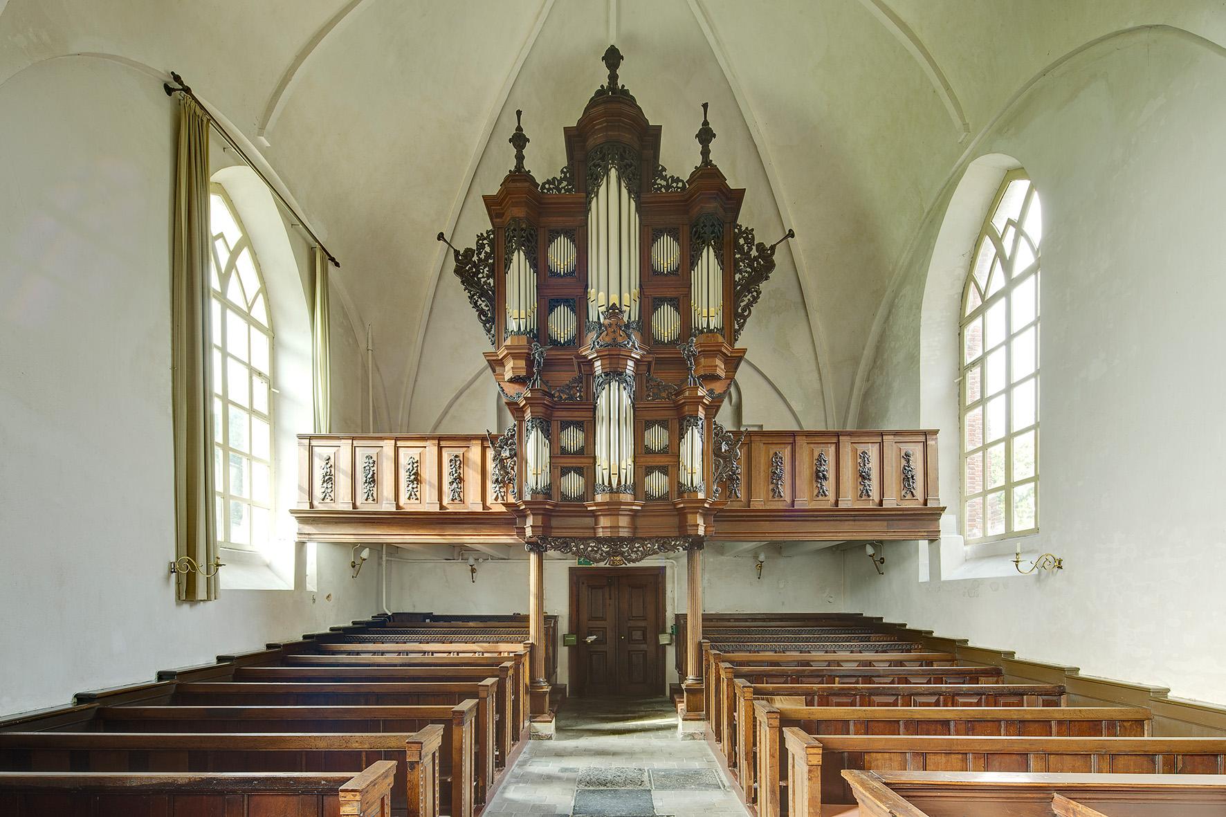 UITHUIZEN / 5-10-2010 / Het orgel van de Jacobi kerk  / Foto: Omke Oudeman