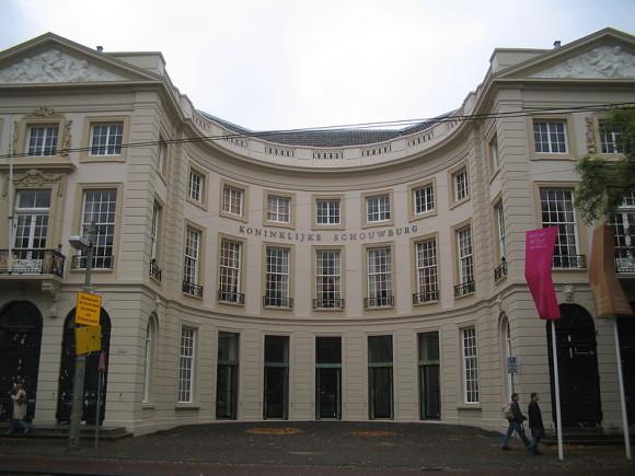 800px-Koninklijke_Schouwburg_Den_Haag
