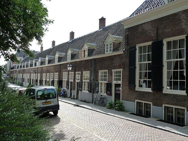 Agnietenstraat, Utrecht, NL. Kameren Maria van Pallaes. Foto: Kattenkruid