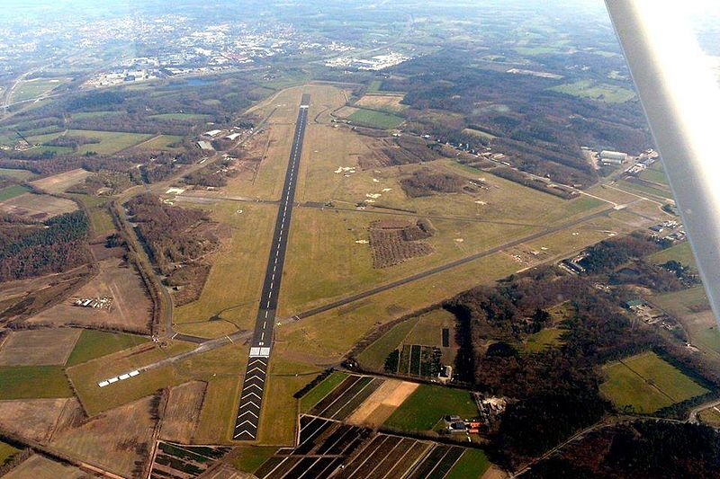 Luchtfoto van vliegveld Twente afkomstig van https://nl-nl.facebook.com/DoorstartVliegveldTwente. Foto: Dhr. Rietman
