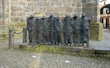 Het vlöggeln in Ootmarsum is een eeuwenoude traditie.  foto: Wouter Hagens via Wikimedia