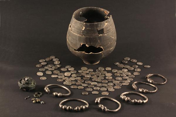 Romeinse schat gevonden bij opgravingen aan de Rotterdamsebaan in Den Haag. Foto:gemeente Den Haag
