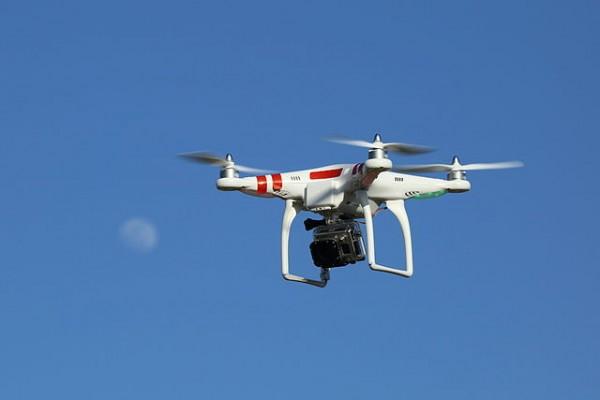 Een Phantom-drone zoals die ook door de archeologen in Den Haag gebruikt worden foto: Don Mc Cullough via Wikimedia
