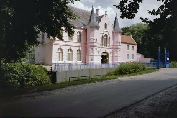 Het Roze Kasteel op Landgoed Steenenburg in Drunen