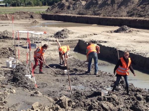 Archeologen in Oegstgeest - foto: de Erfgoedstem