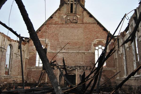 Afgebrande kerk in Hoek, gemeente Terneuzen