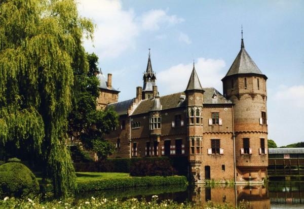 Châtelet van kasteel de Haar. Foto: Peter van der Wielen via Wikimedia
