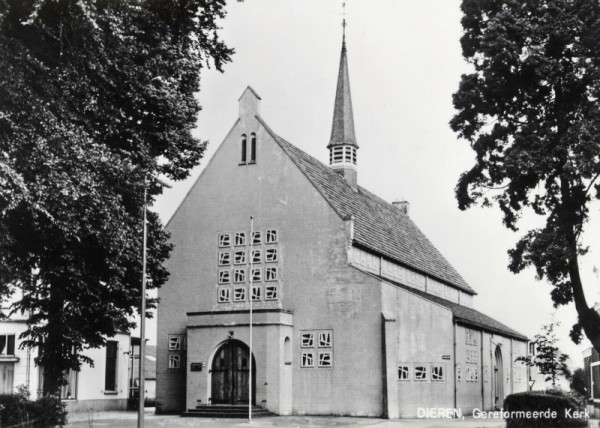 Opstandingskerk, Dieren Foto: Kerkenverzamelaar via reliwiki