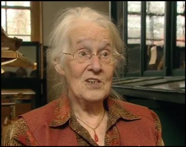 Ina Isings in 2008 filmstill van de docufilm: 'Een bijzonder geluk' gemaakt door filmmaker en historicus Han van Bree. foto: Bic via Wikimedia