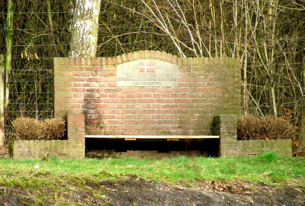 Monument Deense oorlogsslachtoffers, Apeldoorn Foto: Apdency
