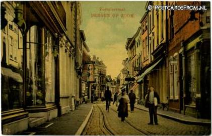 Fortuinstraat, Bergen op Zoom Foto: onbekend via postcardsfrom.nl