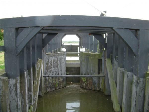 Bleiswijkse Verlaat voor de restauratie Foto: S.J. de Waard via wikimedia