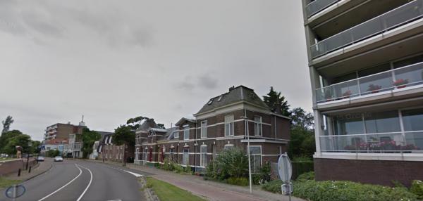 19e eeuwse panden aan Pothoofd, Deventer Foto: Google maps
