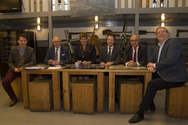 Ondertekening contract Rabobank als hoofdsponsor Werelderfgoed Kinderdijk