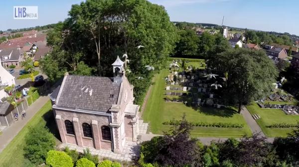 Opname kerk met Drone Foto: Youtube