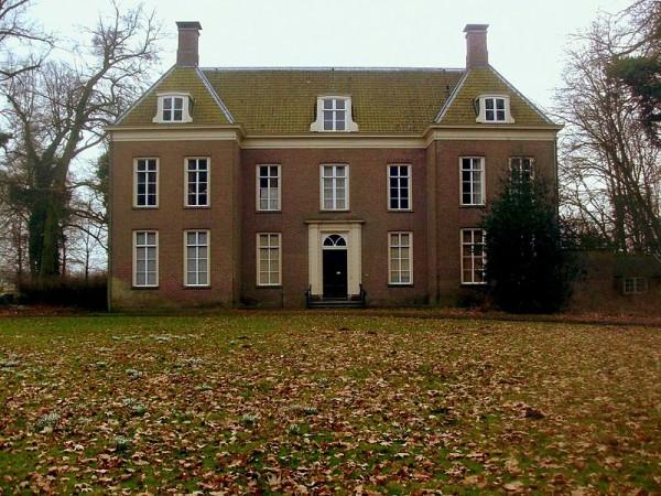 800px-Landgoed_Oud-Amelisweerd