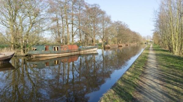 Een jaagpad langs de Oude Rijn, nabij Woerden. Vanuit Interreg Europe ontvangt de Vereniging Regio Water een bijdrage van 1,5 miljoen euro voor nieuwe en bestaande recreatieve ontwikkelingen in gebieden direct aan of verbonden met de Oude Rijn.